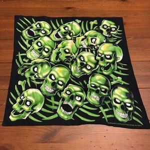 Supreme Skull Pile Bandana - Green